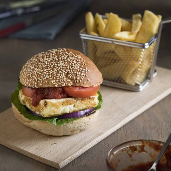 Haloumi Burgers with Barbeque Relish